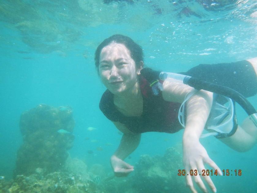 Ternyata menyelam di laut lebih susah tanpa menggunakan alat snorkeling