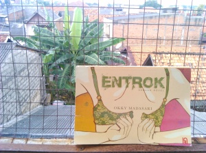 Entrok Cover by Okky Madasari